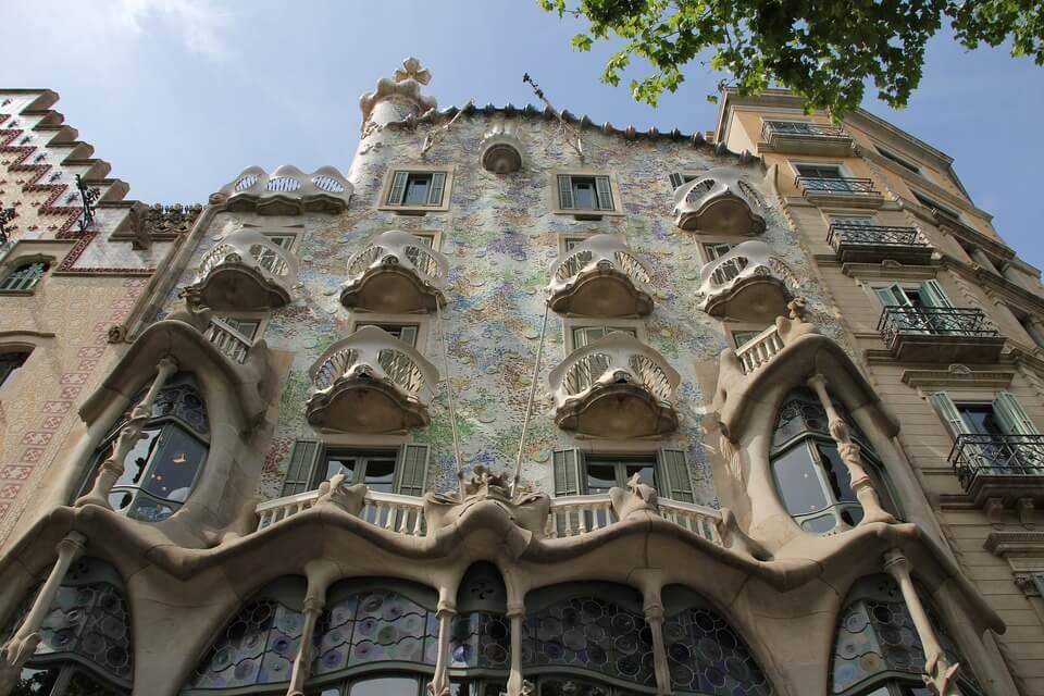barcelona-2691031_1920
